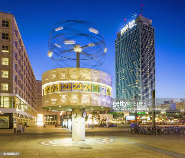 Alexanderplatz, the Weltzeituhr (World Clock) and the Interhotel stadt Berlin now Park Hotel