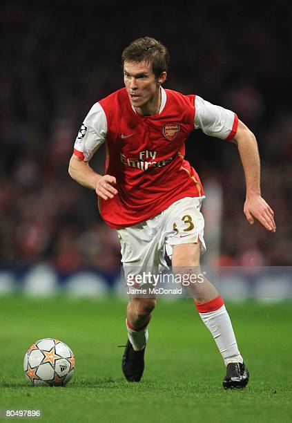 Alexandr Hleb of Arsenal in action during the UEFA Champions League Quarter Final 1st leg match between Arsenal and Liverpool at the Emirates Stadium...