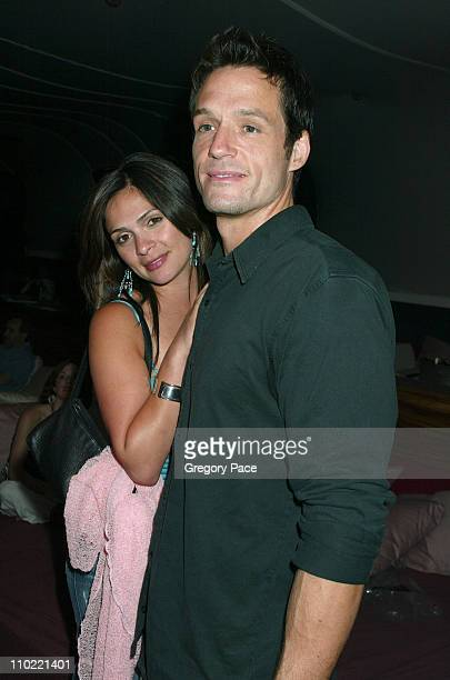 Alexandra Barreto and Josh Hopkins of the WB's 'Pepper Dennis'