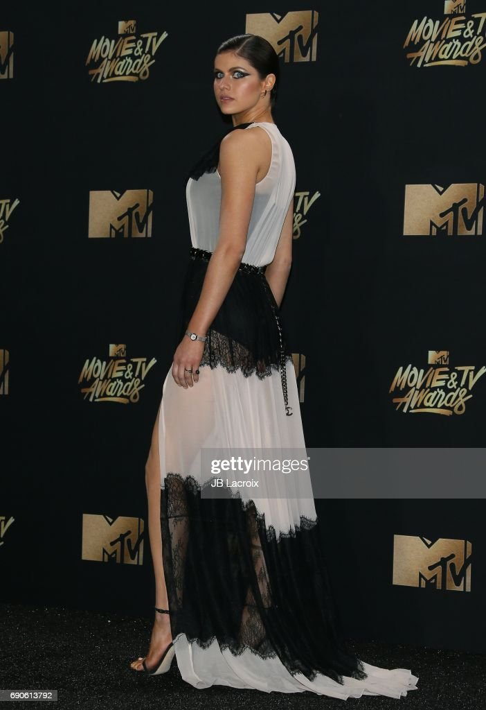 Alexandra Daddario attends the 2017 MTV Movie and TV Awards at The Shrine Auditorium on May 7, 2017 in Los Angeles, California.