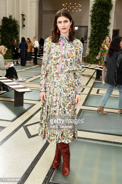Alexandra Daddario attends Tory Burch NYFW SS20 at the Brooklyn Museum on September 08, 2019 in Brooklyn City.
