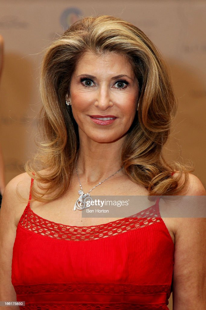 Alexandra Dwek attends The Colleagues' 25th annual spring luncheon honoring Wallis Annenberg at the Beverly Wilshire Four Seasons Hotel on April 9, 2013 in Beverly Hills, California.