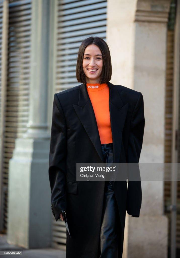 Street Style - Paris Fashion Week - Menswear F/W 2020-2021 : Day Three : ニュース写真
