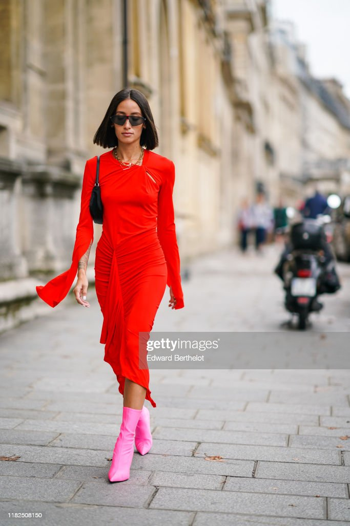 Street Style : Paris Fashion Week - Womenswear Spring Summer 2020 : Day Three : Photo d'actualité