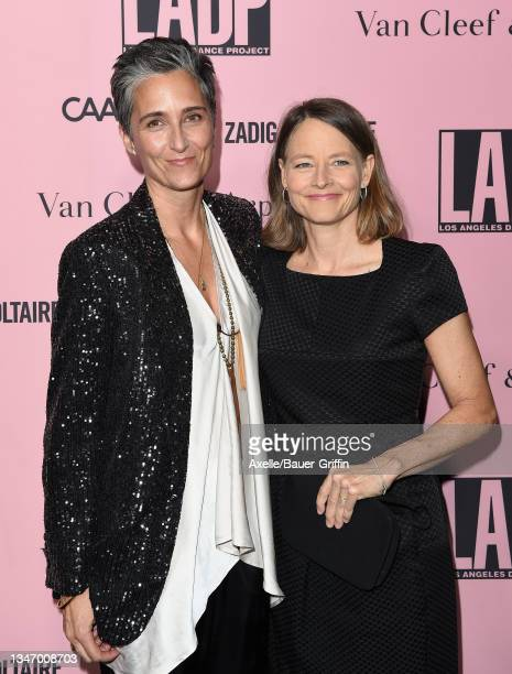 Alexandra Hedison and Jodie Foster attend the L.A. Dance Project Annual Gala on October 16, 2021 in Los Angeles, California.