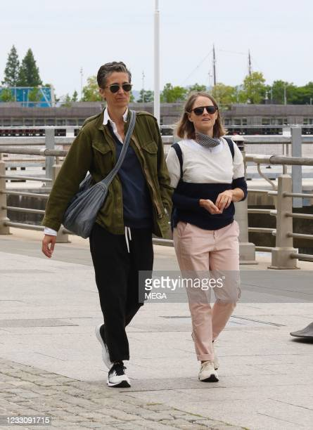 Alexandra Hedison and wife Jodie Foster are seen in Hudson River Park on May 24, 2021 in New York City.