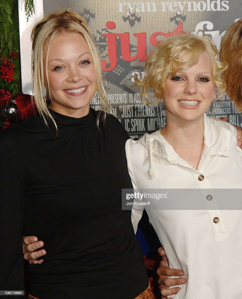 Alexandra Holden and Anna Faris during