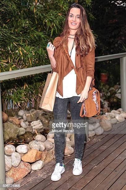 Alexandra is wearing a Bershka jacket Zara shirt and jeans Adidas trainers Parfoix handbag Pull Bear jewelry and a Be Bohemian necklace at the Market...
