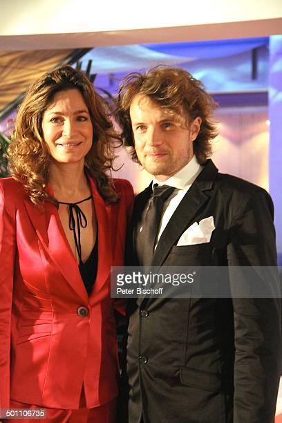 Alexandra Kamp Freund Michael von Hassel Verleihung Gala 'Deutscher Medienpreis' 2011 für herausragende Symbole der Menschlichkeit BadenBaden...