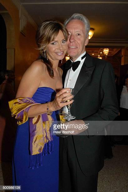 Alexandra Kamp Lebengefährte Jan Ammann Verleihung Gala Bayerischer Fernsehpreis 2007 Preis 'Der Blaue Panther' Prinzregententheater München Bayern...