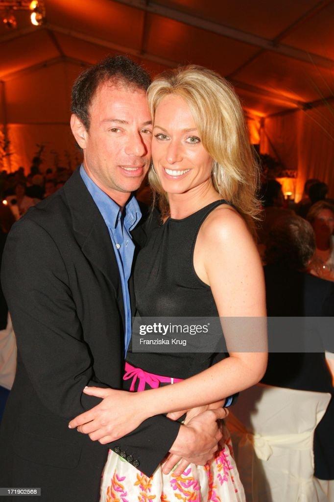 Alexandra Kingsley Und Neuer Freund Samy Brauner Bei Der Benefiz-Gala Anlässlich 5 J : News Photo