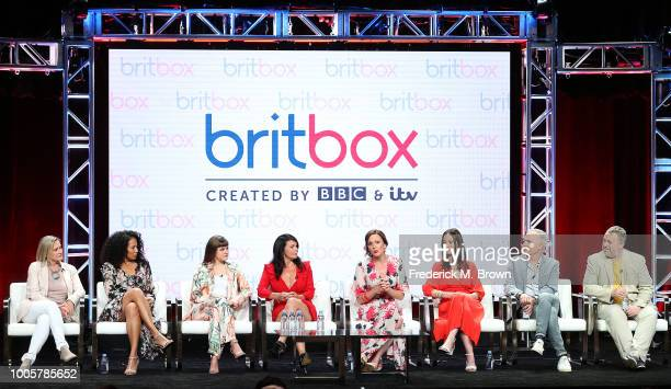Alexandra La Roche Michael MacMallen Julie Graham Rachael Stirling Jennifer Spence Crystal Balint Chanelle Peloso and a guest of the television show...