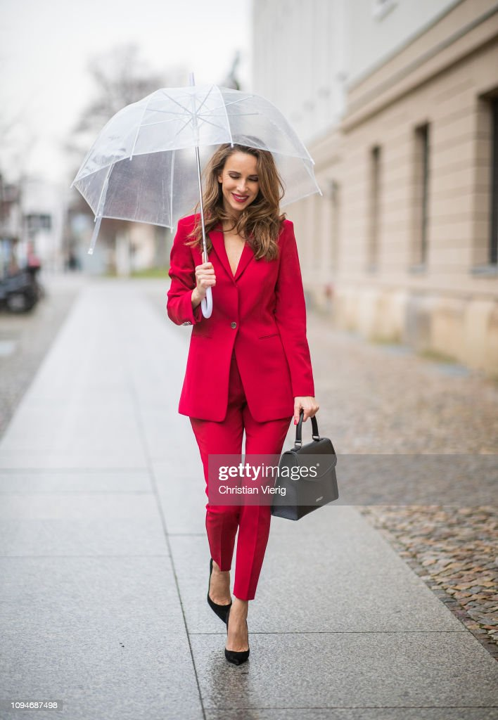 Street Style - Berlin Fashion Week Autumn/Winter 2019 : News Photo