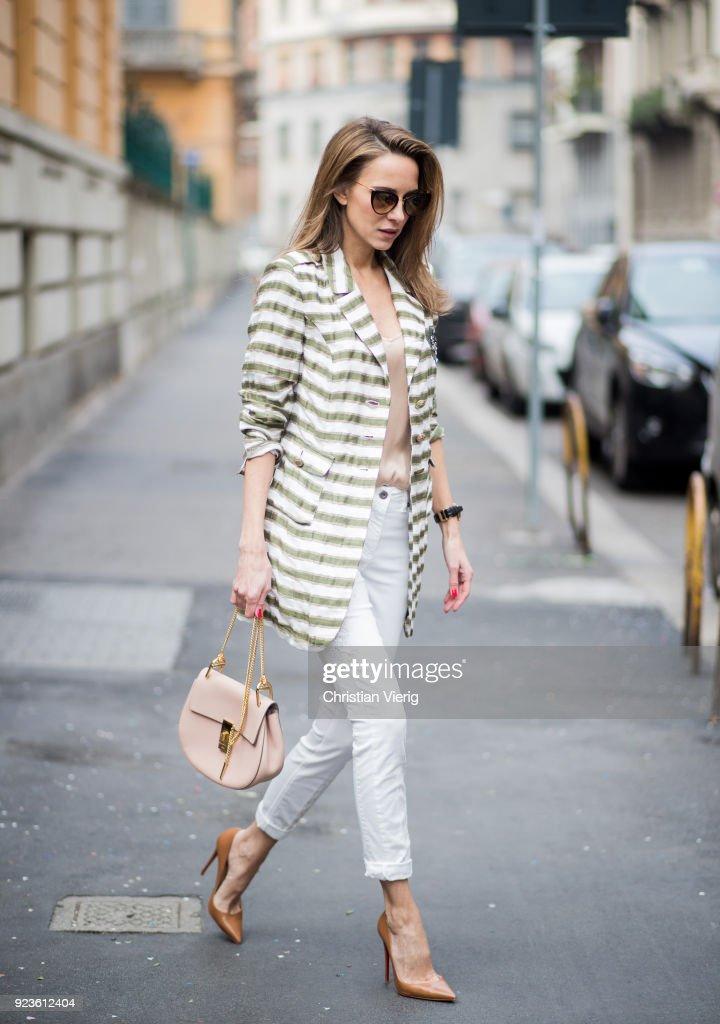 Street Style: February 21 - Milan Fashion Week Fall/Winter 2018/19 : Nachrichtenfoto