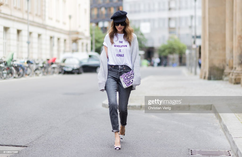 Street Style Day 4 - Mercedes-Benz Fashion Week Berlin Spring/Summer 2018 : News Photo
