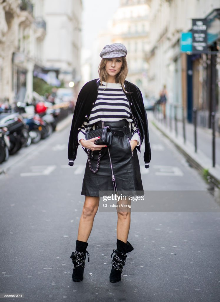 Street Style : Paris Fashion Week Womenswear Spring/Summer 2018 : Day Four