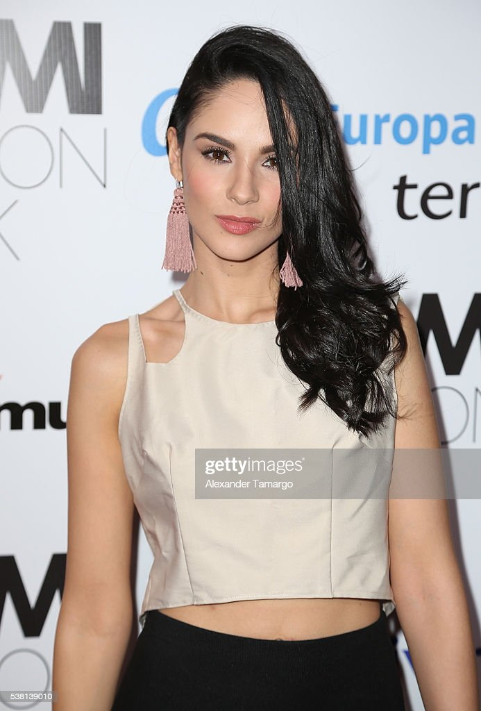 http://media.gettyimages.com/photos/alexandra-pomales-arrives-for-the-miami-fashion-week-soiree-at-on-picture-id538139010