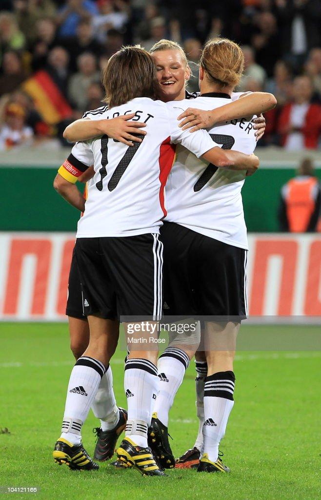 Germany v Canada - Women's International Friendly : News Photo