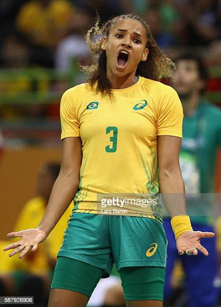 Alexandra Priscila Martinez of Brazil reacts during the Womens Preliminary Group A match between Brazil and Spain at Future Arena on August 10, 2016...