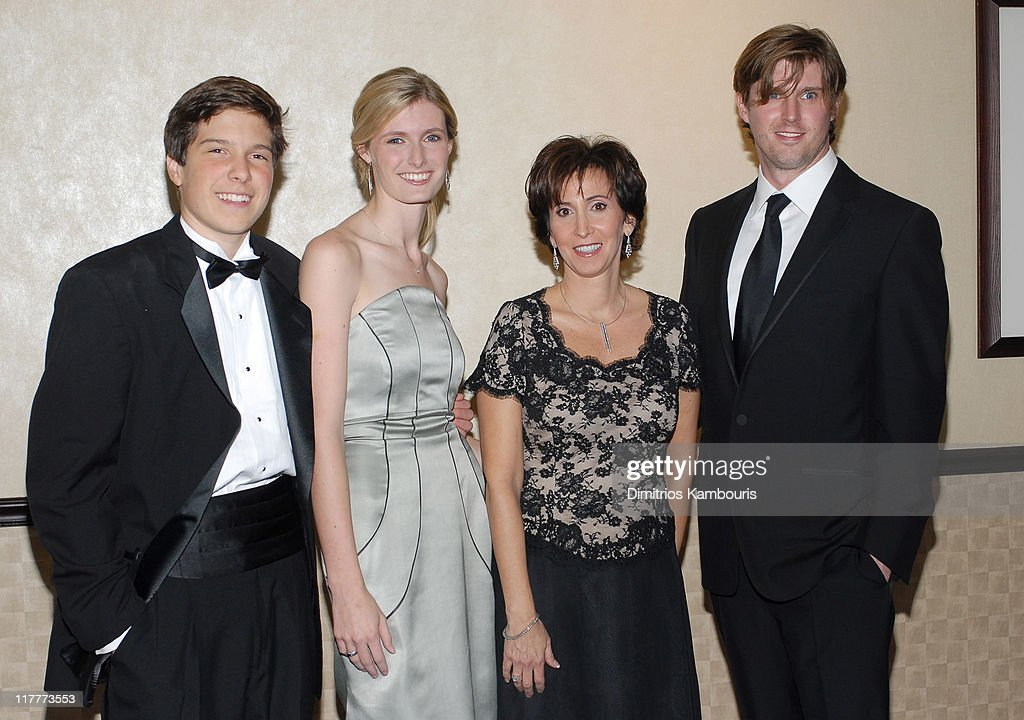 Christopher Reeve Foundation Celebrates The Strength and Courage of ...