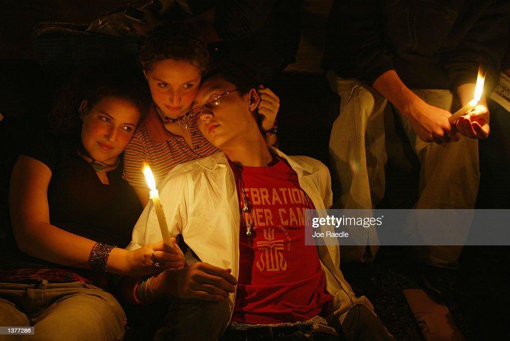 Memorials To 9/11 Begin In New York : News Photo