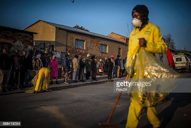 Alexandra township residents queue to cast their votes during the 2016 Local Government Elections on August 03 2016 in Johannesburg South Africa The...