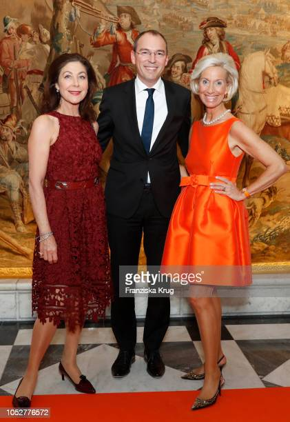 Alexandra von Rehlingen Oliver Goessler and Kristina Troeger during the 'Die Europa' award to women entrepreneurs hosted by the Club of European...
