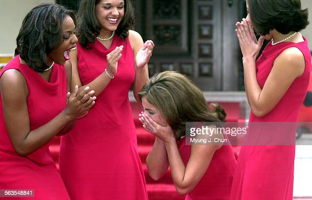 Alexandra Wucetich reacts to being named the 2003 Tournament of Roses Queen Sharing her surprise is her court Glynn–Helene Joseph Katherine Berber 17...