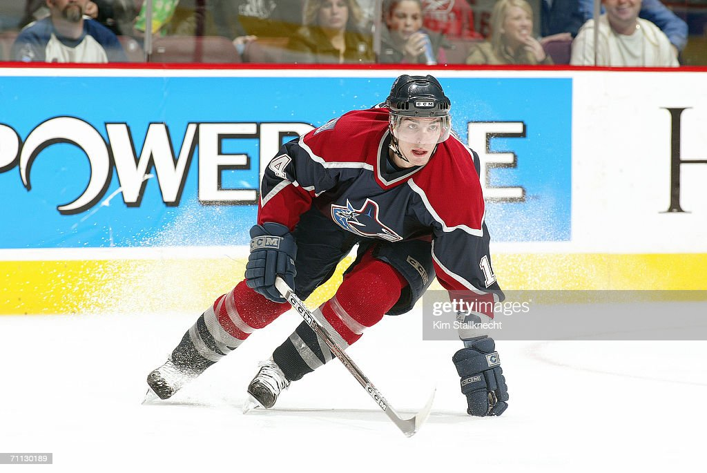Anaheim Mighty Ducks v Vancouver Canucks : News Photo
