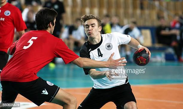 Alexandre Cavalcanti Marvin Gerdon Zweikampf Aktion Spielszene Deutschland Portugal Sportforum Berlin Sport Handball EHF U18EM Qualifikation...