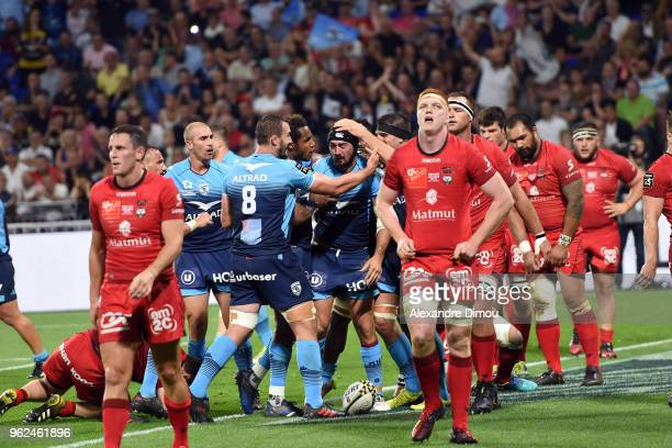 Alexandre Dumoulin of Montpellier celebrates his try with Team during the Top 14 semi final match between Montpellier Herault Rugby and Lyon on May...