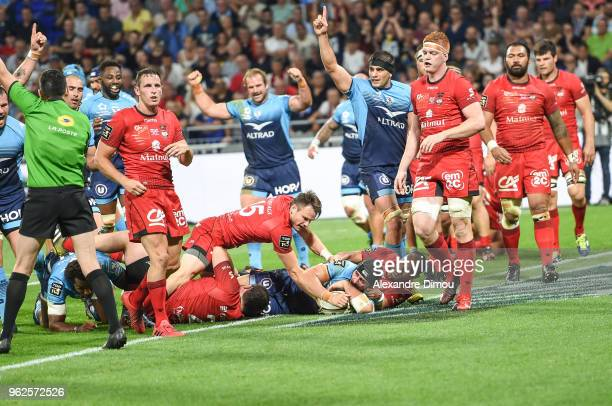 Alexandre Dumoulin of Montpellier scores one Try during the Top 14 semi final match between Montpellier Herault Rugby and Lyon on May 25 2018 in Lyon...