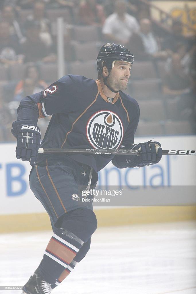 Phoenix Coyotes v Edmonton Oilers