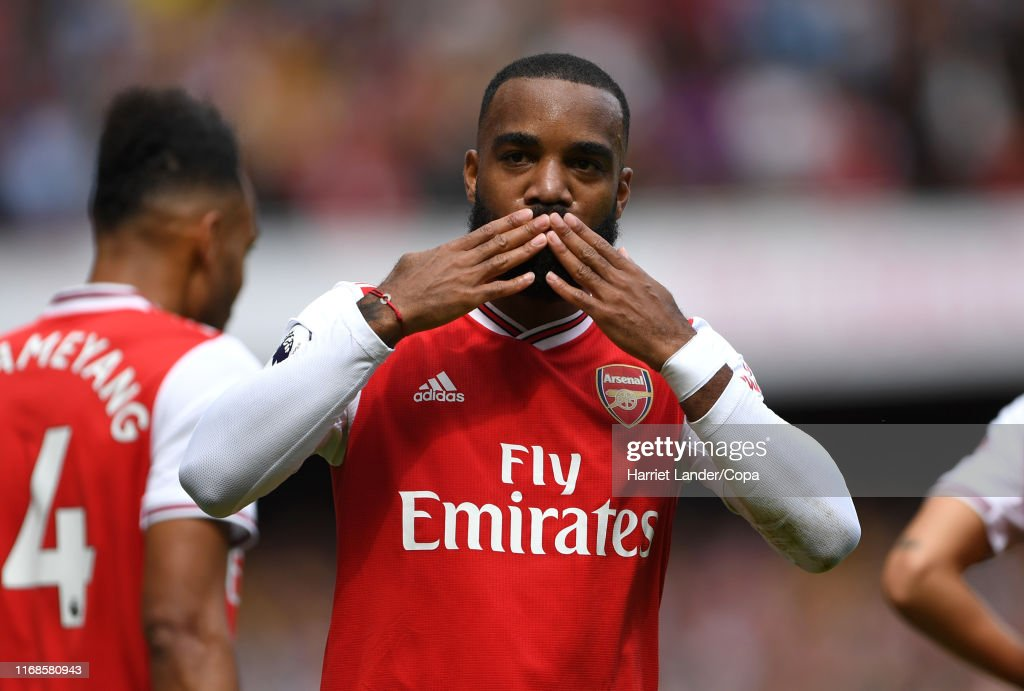 Arsenal FC v Burnley FC - Premier League : Photo d'actualité