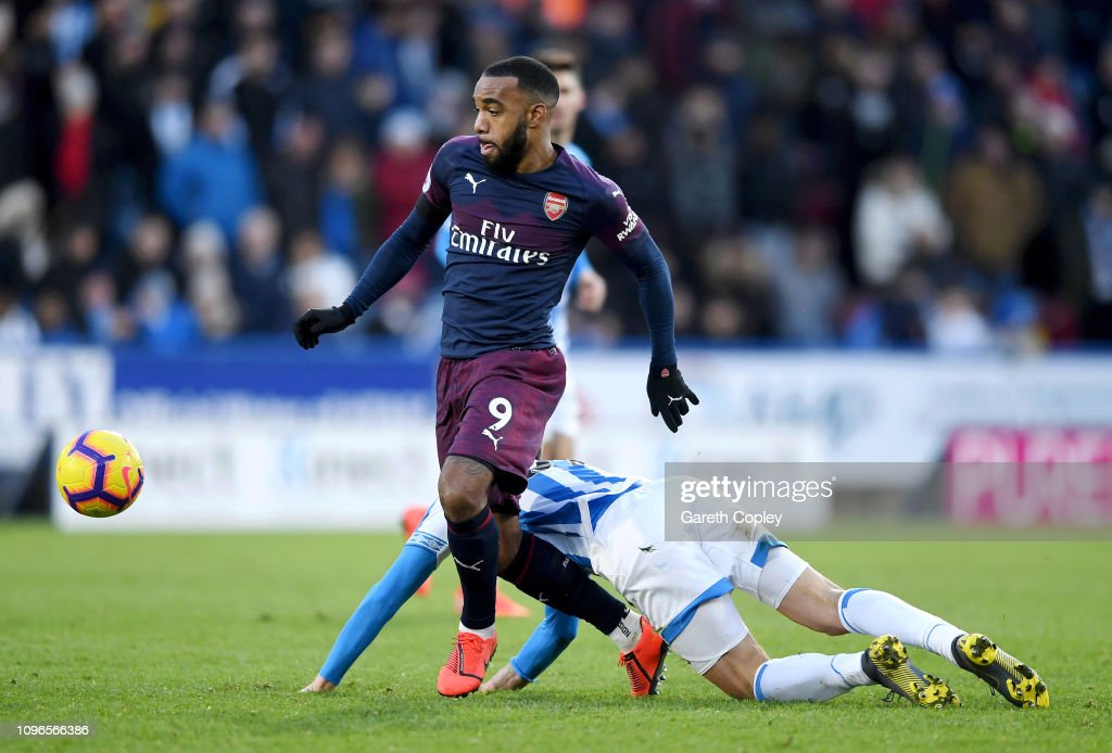 Huddersfield Town v Arsenal FC - Premier League : News Photo