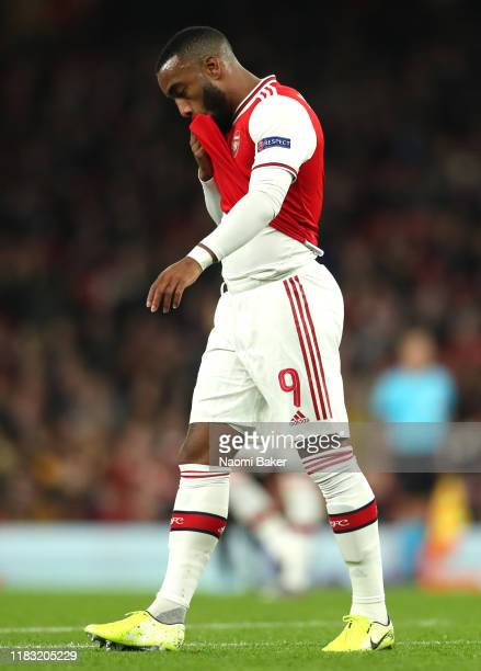 Alexandre Lacazette of Arsenal reacts to a missed chance during the UEFA Europa League group F match between Arsenal FC and Vitoria Guimaraes at...