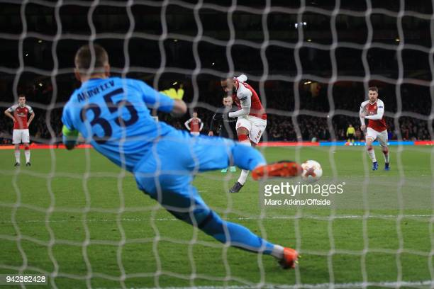 Alexandre Lacazette of Arsenal scores their 2nd goal during the UEFA Europa League quarter final leg one match between Arsenal FC and CSKA Moskva at...