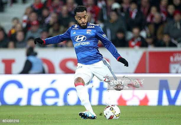 Alexandre Lacazette of Lyon in action during the French Ligue 1 match between Lille OSC and Olympique Lyonnais at Stade PierreMauroy on November 18...