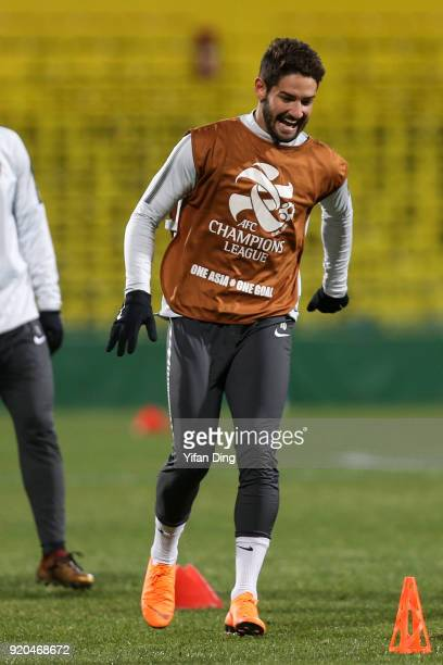 Alexandre Pato of Tianjin Quanjian in action during the official training session before the 2018 AFC Champions League match between Kasshiwa Reysol...