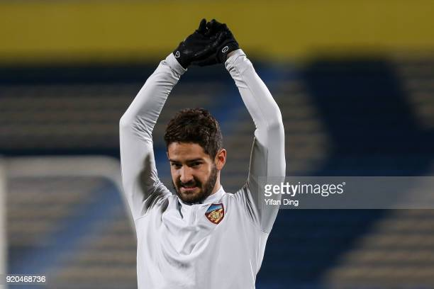 Alexandre Pato of Tianjin Quanjian looks during the official training session before the 2018 AFC Champions League match between Kasshiwa Reysol and...