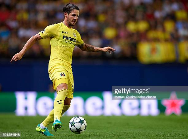 Alexandre Pato of Villarreal runs with the ball during the UEFA Champions League playoff first leg match between Villarreal CF and AS Monaco at El...
