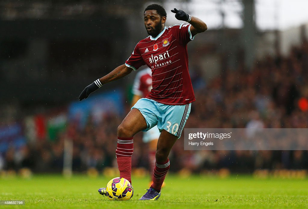 West Ham United v Aston Villa - Premier League : News Photo