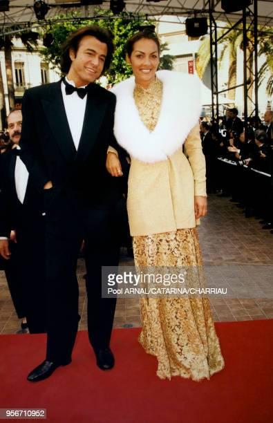 Alexandre Zouari et Hermine de Clermontonnerre sur le tapis rouge le 10 mai 1997 au festival de Cannes en France