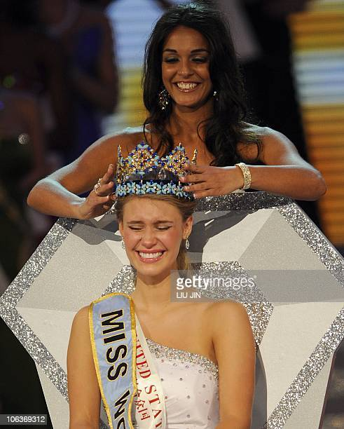 Alexandria Mills of the US is crowned as the 2010 Miss World by 2009 Miss World Kaiane Aldorino from Gibraltar during the Miss World 2010 Beauty...