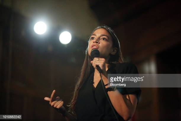 Alexandria OcasioCortez a Democratic US Representative candidate from New York speaks during an event at the First Unitarian Church of Los Angeles in...