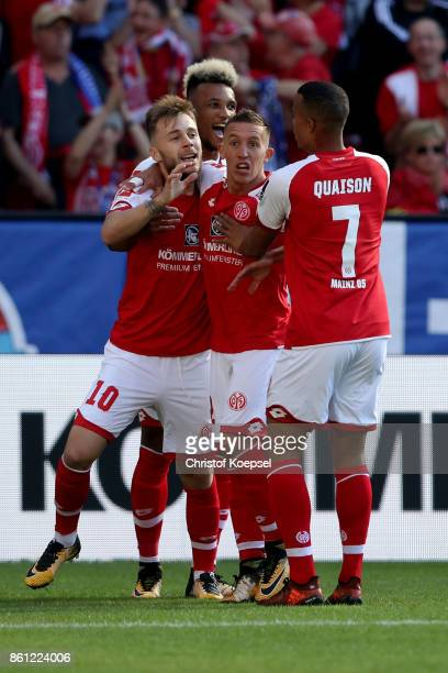 Alexandru Maxim of Mainz celebrates the first goal with Pablo de Blasis mas00 during the Bundesliga match between 1 FSV Mainz 05 and Hamburger SV at...