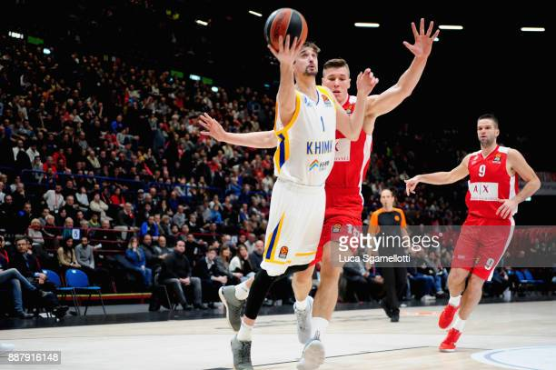 Alexey Shved #1 of Khimki Moscow Region in action during the 2017/2018 Turkish Airlines EuroLeague Regular Season Round 11 game between AX Armani...
