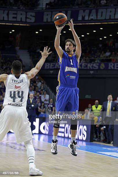 Alexey Shved #1 of Khimki Moscow Region in action during the Turkish Airlines Euroleague Regular Season Round 6 game between Real Madrid v Khimki...