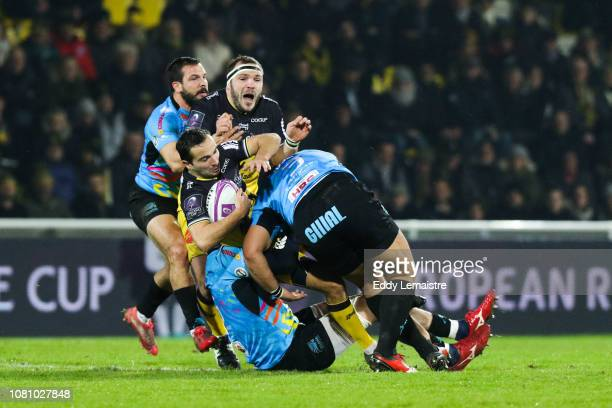 Alexi Bales of La Rochelle and Eduardo Bello of Parme during the European Challenge Cup match between La Rochelle and Zebre at Stade Marcel Deflandre...