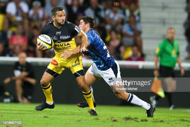 Alexi Bales of La Rochelle and Hugo Verdu of Agen during the test match between La Rochelle and SU Agen on August 17 2018 in La Rochelle France